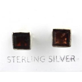 Garnet Faceted Square .925 5mm Stud Earring